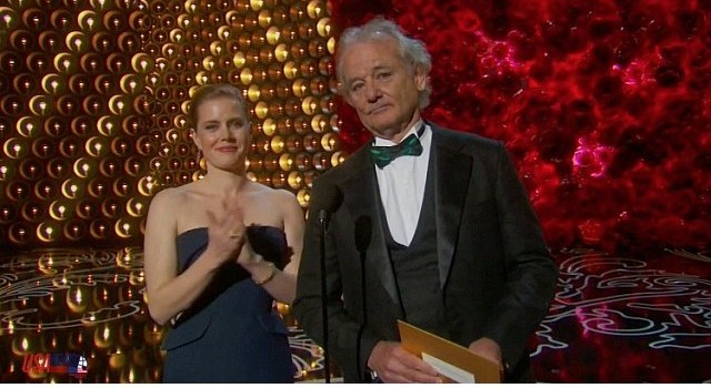 bill_murray_gives_an_impromptu_tribute_to_harold_ramis_during_his_oscars_presentation_m6-640x350