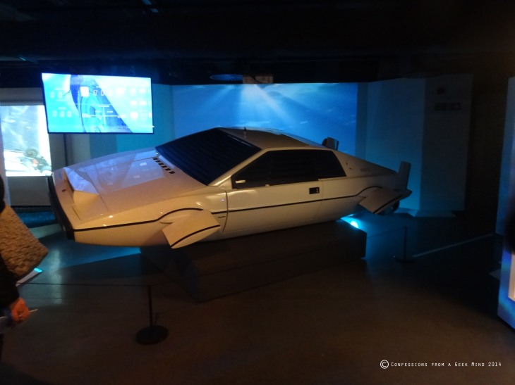 Bond in Motion - Lotus Esprit