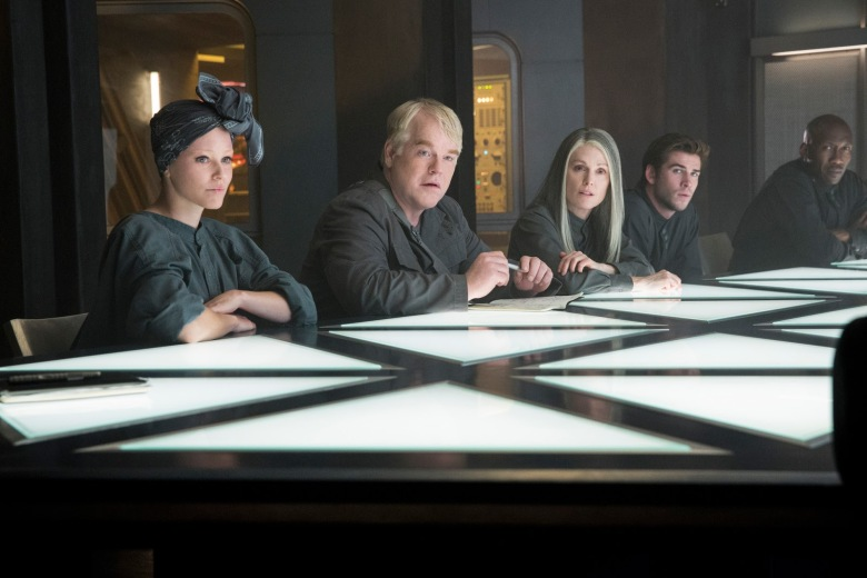 the-hunger-games-mockingjay-part-1-district-13