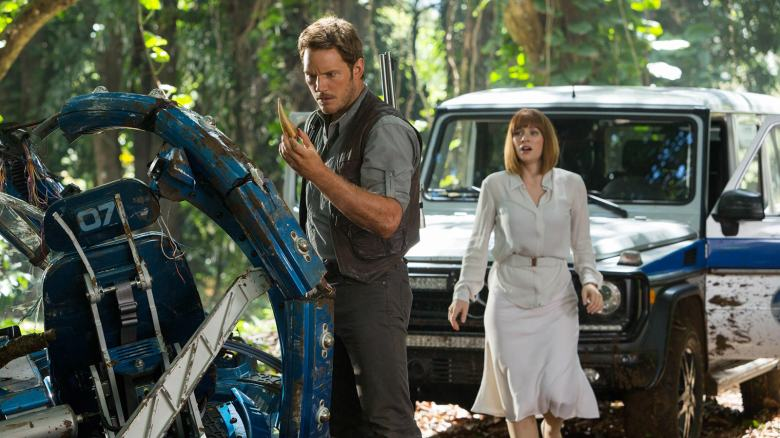 jurassic-world-owen-claire