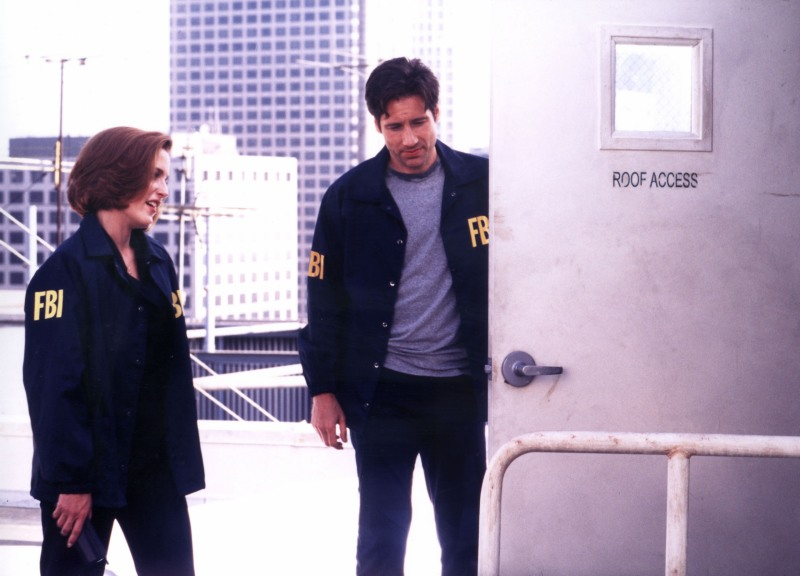 x-files-fight-the-future-mulder-scully