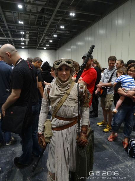 Rey Cosplayer - just awesome