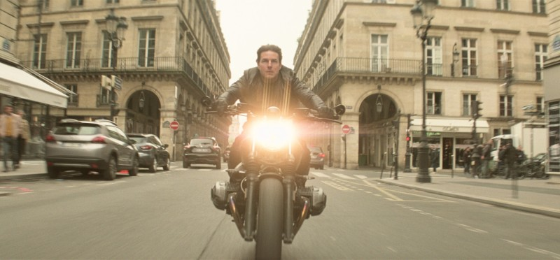 mission-impossible-fallout-ethan-bike-paris.jpg
